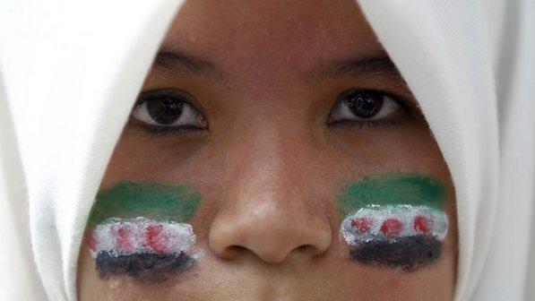 Ativista-pintura-rosto-malasia-20120316-size-598