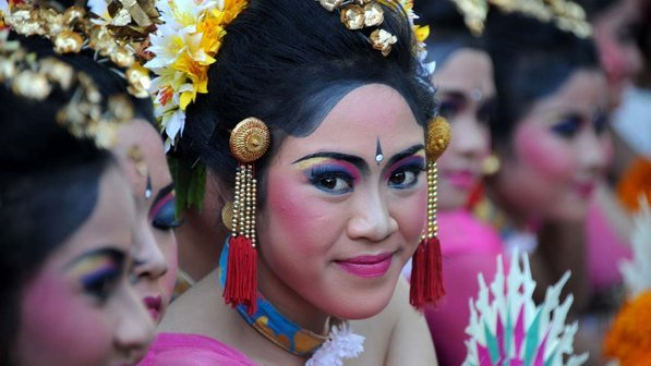 Apresentacao-dia-silencio-indonesia-20120322-size-598